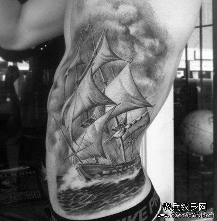 的帆船纹身图案