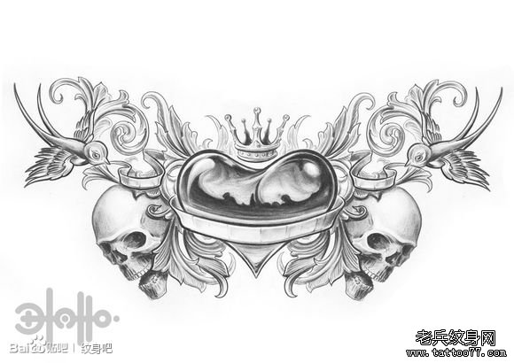 一款黑白爱心皇冠纹身手稿