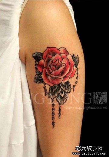 女生手臂时尚经典的school玫瑰花纹身图案图片