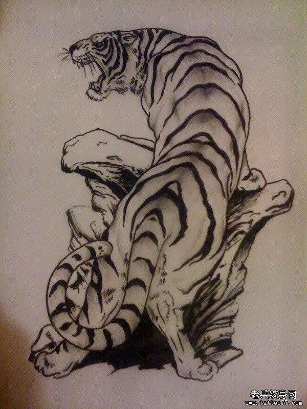 推荐一款超霸气的上山虎纹身图案