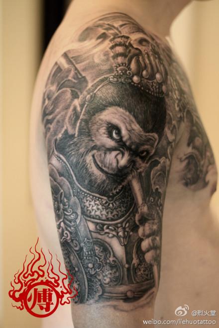 男人手臂超酷的孙悟空纹身图案