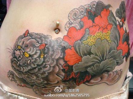 狮子牡丹纹身图案