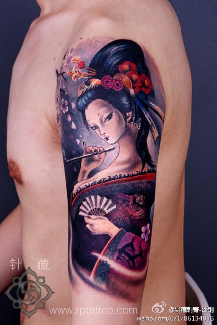 手臂一款漂亮潮流的日本艺妓纹身图案