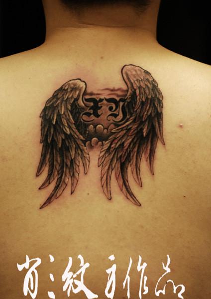 黑灰翅膀纹身图案图片