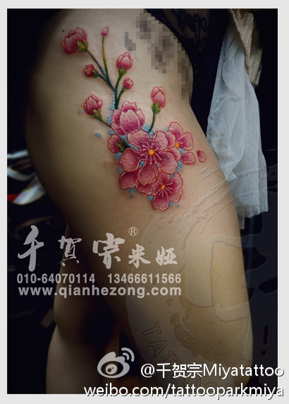 的桃花纹身图案