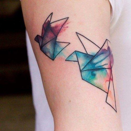 分享一款小臂纸飞机纹身图案
