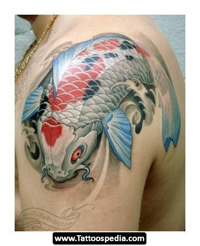 分享一款男人大臂斑点鲤鱼纹身图案