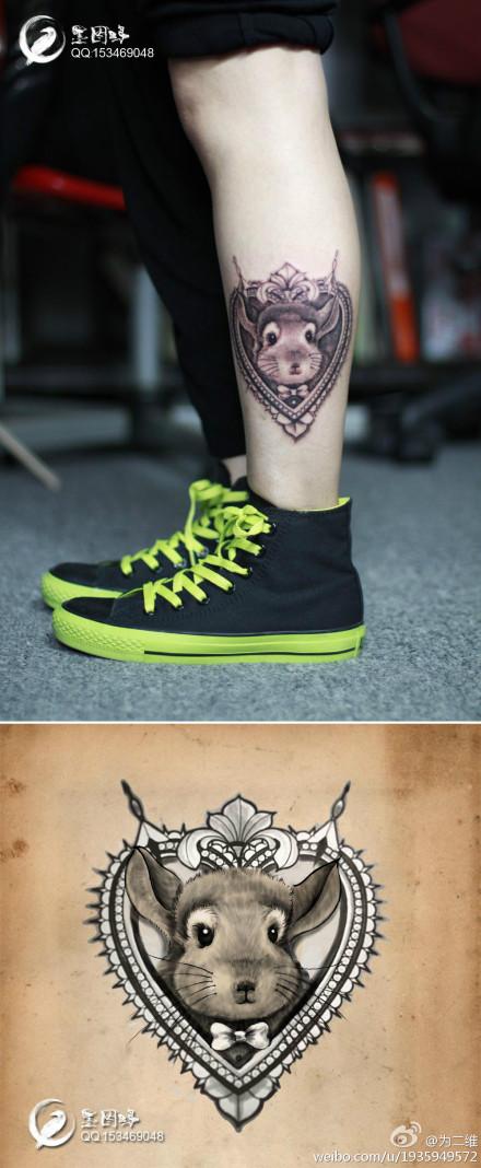 小老鼠纹身图案; 腿部一款可爱时尚的小老鼠纹身图案; 推荐一款个性