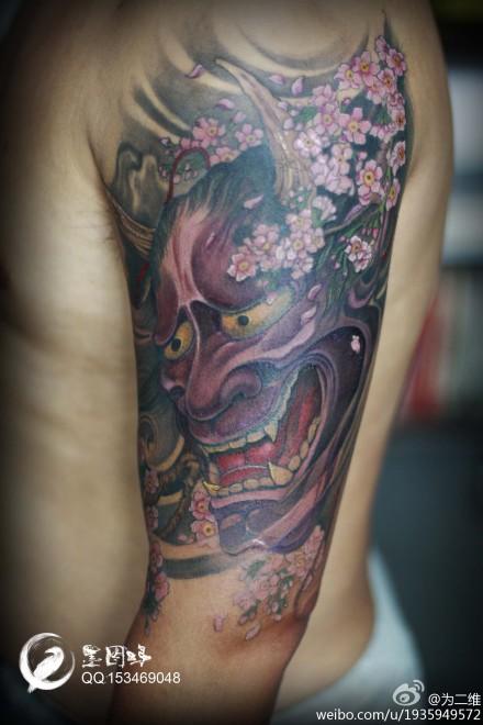 手臂时尚很酷的般若纹身图案