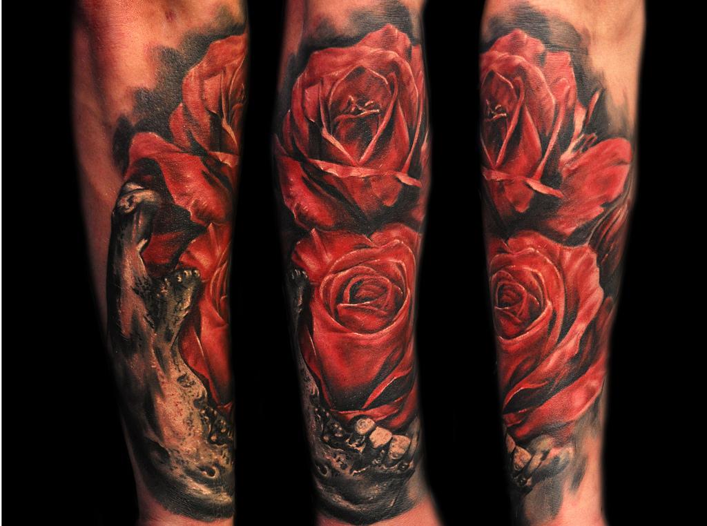 男人一款经典流行的玫瑰花纹身图案图片