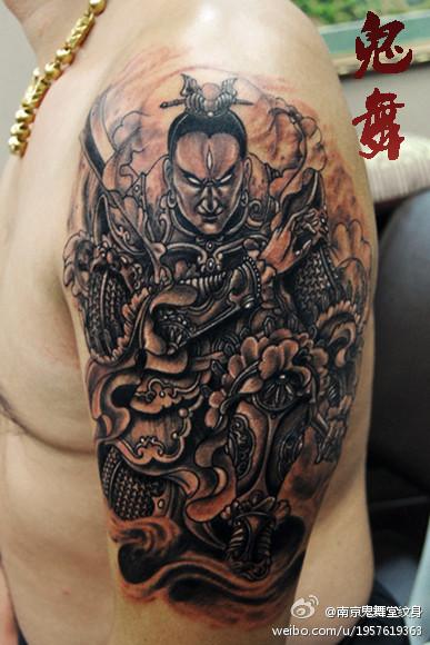 手臂超酷很帅的二郎神纹身图案图片