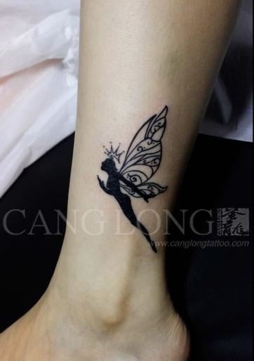 女生小腿潮流时尚的图腾精灵纹身图案