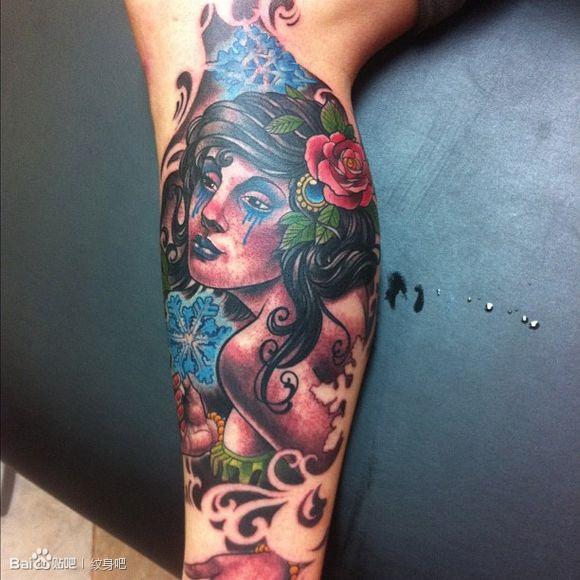 腿部时尚漂亮的一款美女纹身图案 老兵武汉纹