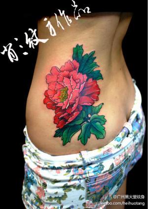 的牡丹花纹身图案