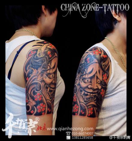 女生手臂经典的传统般若纹身图案