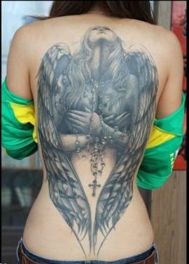 美女后背纹身图片_美女后背精美的满背天使纹身图案