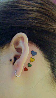 美女耳后一款小清新爱心纹身图案