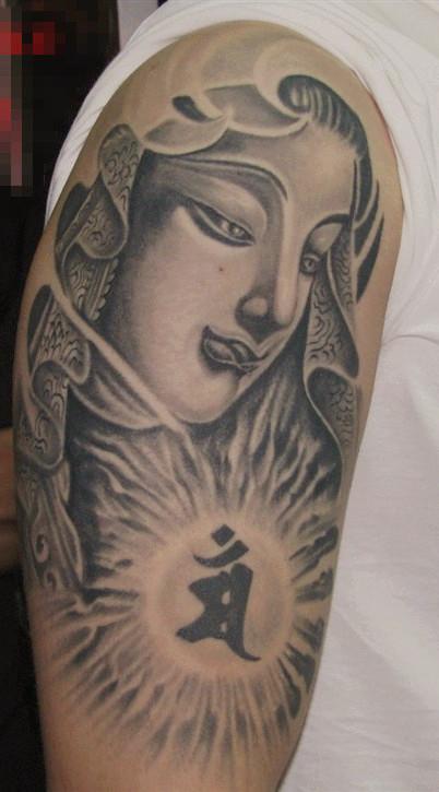 推荐一款霸气潮流的大臂佛像纹身图案