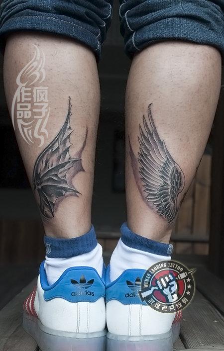 武汉专业纹身店打造的腿部天使恶魔翅膀纹身作品