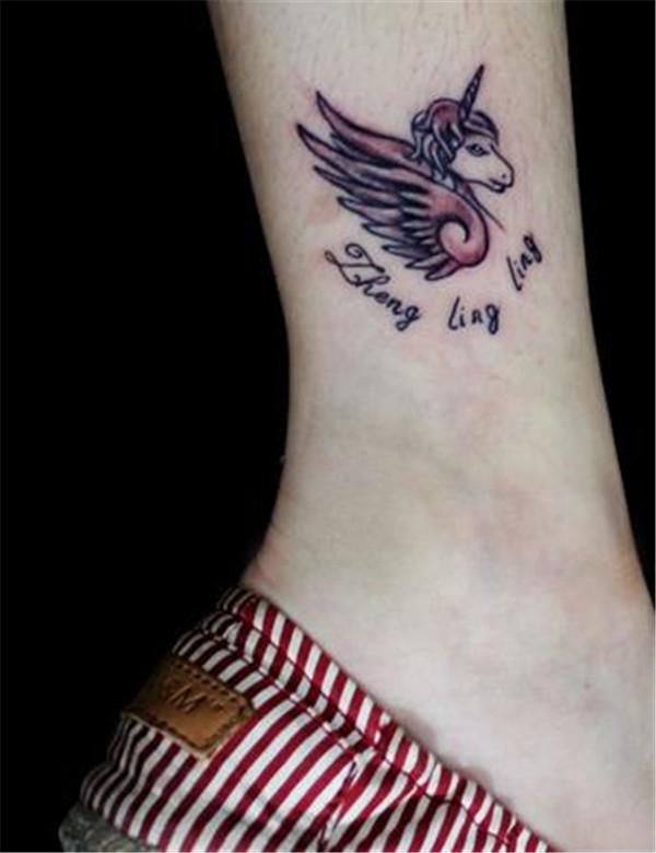 武汉纹身店推荐一款脚踝独角兽纹身图案