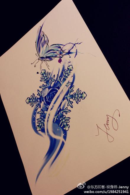 后腰图腾蝴蝶纹身图片