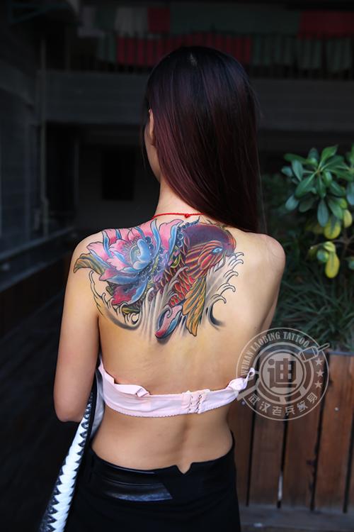 武汉最好纹身店打造的遮盖旧图--鲤鱼莲花纹身