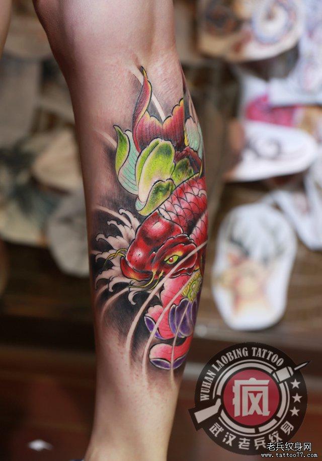 遮盖疤痕--腿部鲤鱼莲花纹身图案作品