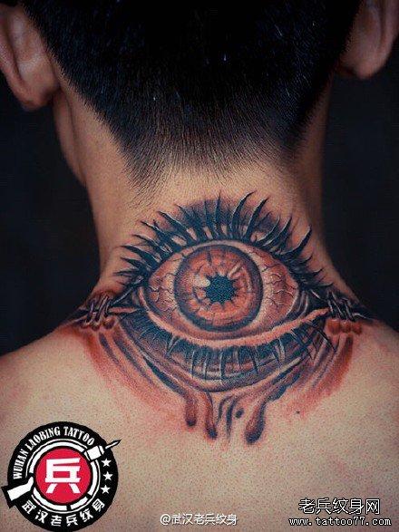 颈部3d眼睛纹身图案作品