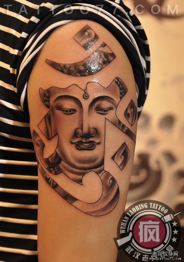大臂梵文佛纹身图案作品