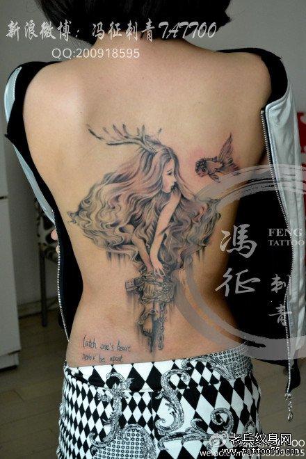 黑白唯美点刺欧美女孩纹身图案