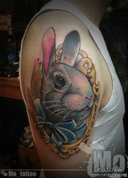 胳膊欧美风可爱小兔子纹身图案