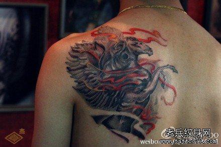 火天马背部纹身图案