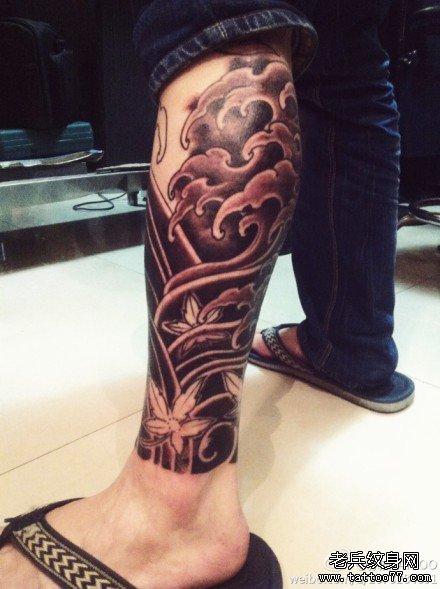 海浪腿部纹身图案
