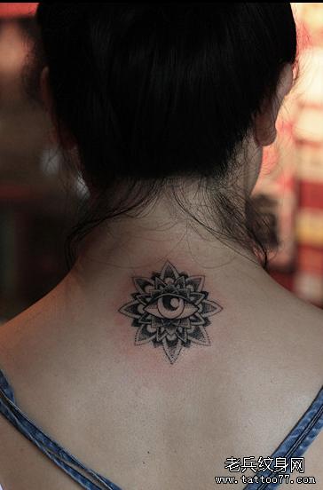 天眼下凡后背纹身图案