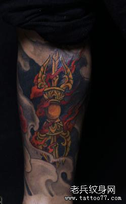 腿部火金纹身图案图片