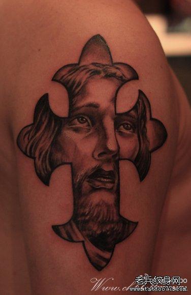 胳膊十字架耶稣纹身图案