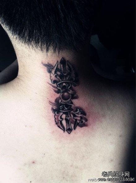 后背天界法器纹身图案图片