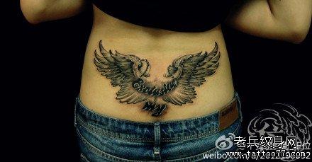 腰部翅膀纹身图案