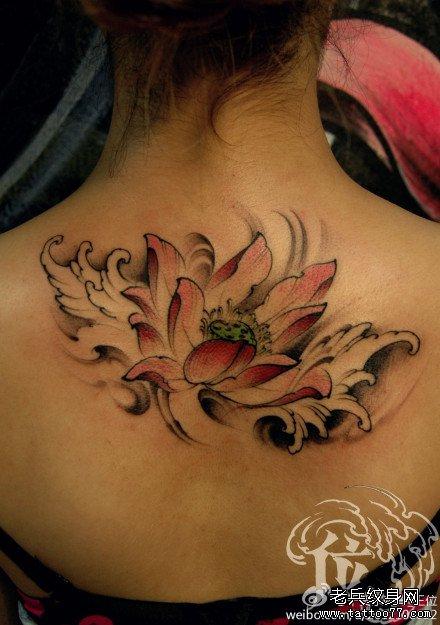 后背莲花纹身图案