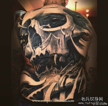 满背霸气骷髅纹身图案