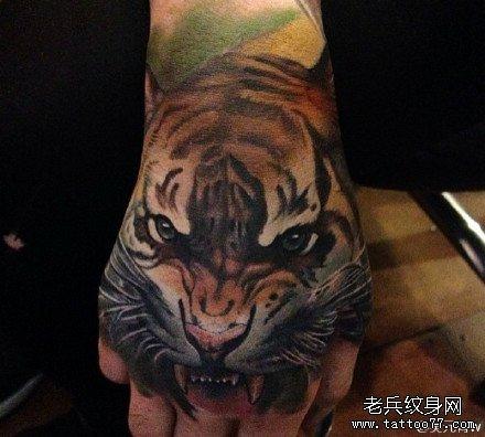 手面纹身老虎分享展示图片