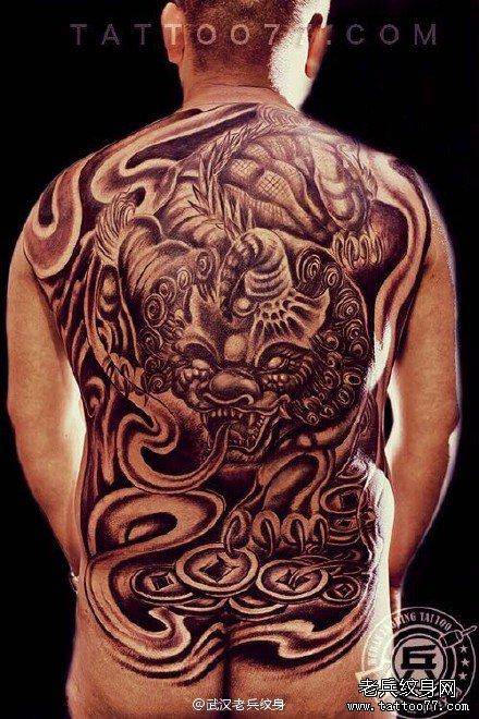 满背纹身降龙罗汉纹身作品