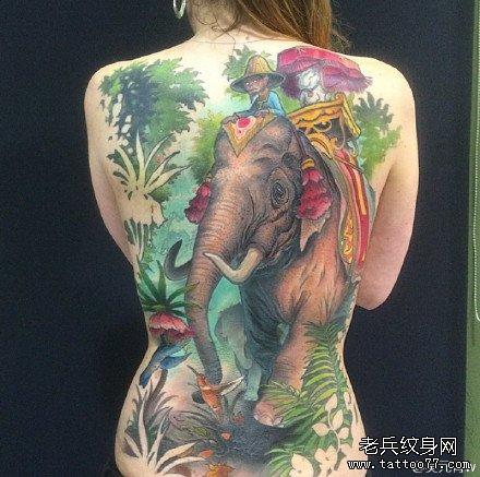 满背人与大象纹身图案