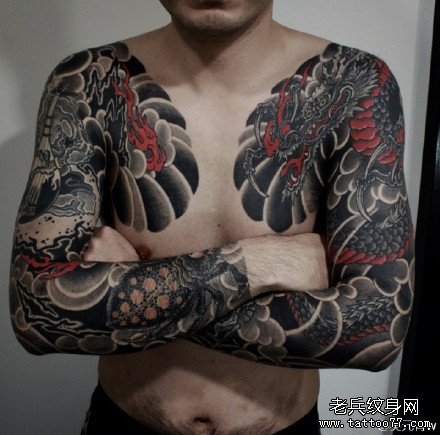 手部狮子纹身图案