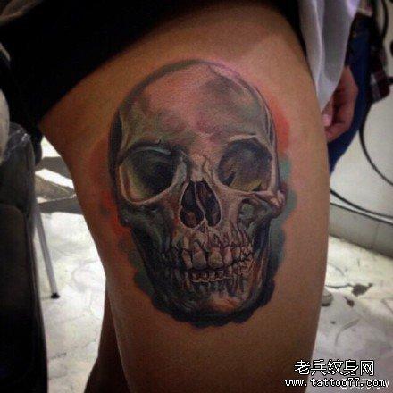 腿部骷髅头纹身图案图片
