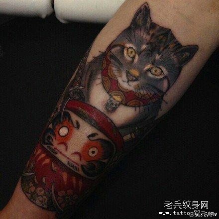 手部招财猫纹身图案