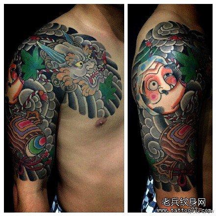 半胛猩猩与龙纹身图案