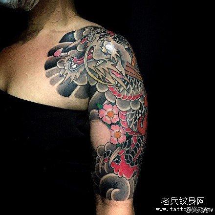 胳膊花龙纹身图案
