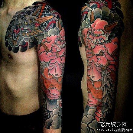 半胛鬼妖与龙纹身图案