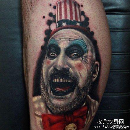 腿部小丑纹身图案